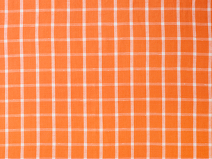 オレンジと白の綿の布の写真素材 [FYI02833424]