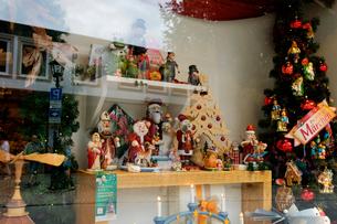 クリスマス飾りの店の写真素材 [FYI02833492]