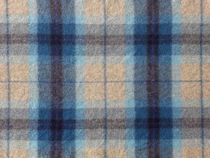青のチェックのウールの布の写真素材 [FYI02833531]