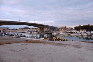 大野漁港の夕景の写真素材 [FYI02833599]