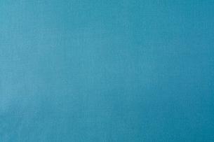 青のテーブルクロスの写真素材 [FYI02833628]