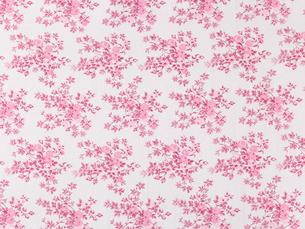 ピンクのコットンの花柄の布の写真素材 [FYI02833689]