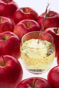 リンゴ酢の写真素材 [FYI02834271]