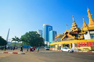 スーレーパヤー ヤンゴンの写真素材 [FYI02834642]