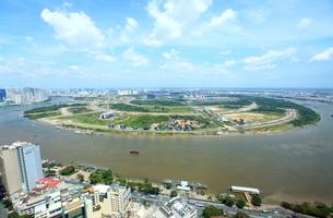 スカイデッキから眺めたサイゴン川と開発中の2区の写真素材 [FYI02834816]