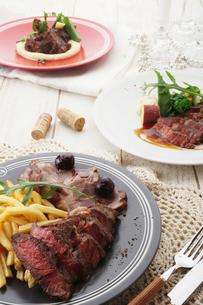 お肉料理の集合の写真素材 [FYI02835040]