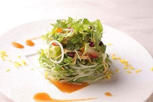 水菜の和風サラダの写真素材 [FYI02835225]