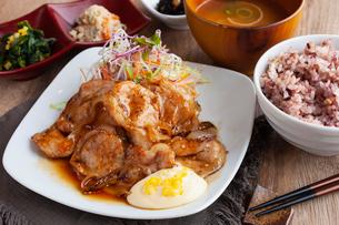 生姜焼き定食の写真素材 [FYI02835371]