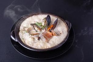 魚介のクリームソースの写真素材 [FYI02835612]