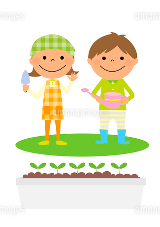 庭でガーデニングを楽しむ男の子と女の子のイラスト素材 [FYI02836056]