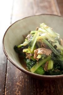 ターサイと豚肉の炒め物の写真素材 [FYI02836148]