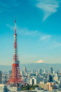 東京タワーと富士山の写真素材 [FYI02836452]