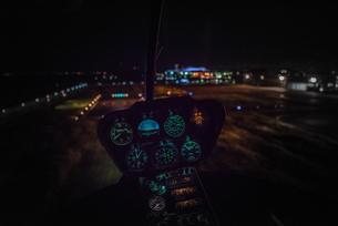 ヘリコプターのコックピットの写真素材 [FYI02836626]