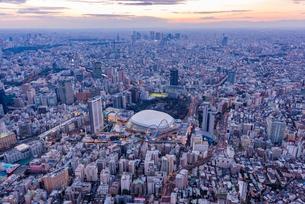 東京ドーム,空撮の写真素材 [FYI02836902]