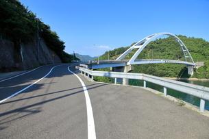 安芸灘とびしま海道 中の瀬戸大橋の写真素材 [FYI02836957]