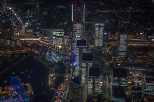 横浜みなとみらい全館点灯夜景空撮の写真素材 [FYI02836981]