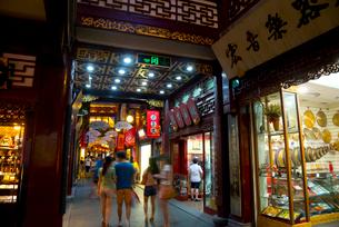 上海の豫園商城の写真素材 [FYI02837091]