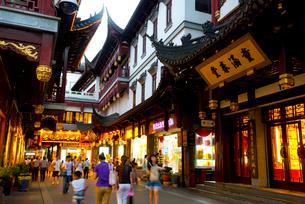 上海の豫園商城の写真素材 [FYI02837095]