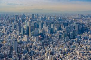 富士山と東京都心部の空撮の写真素材 [FYI02837187]