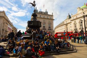 ロンドンの風景とダブルデッカーの写真素材 [FYI02837302]
