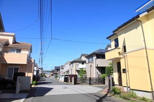新興住宅街の家並みの写真素材 [FYI02837304]