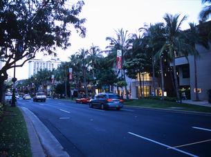 ワイキキの夕景 ハワイの写真素材 [FYI02837362]