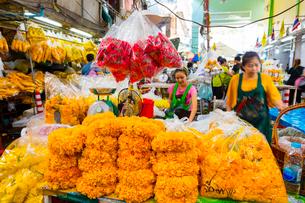 バンコクのフラワーマーケットの写真素材 [FYI02837576]