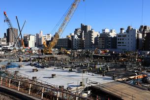 業平橋駅より望む東京スカイツリーの写真素材 [FYI02837689]