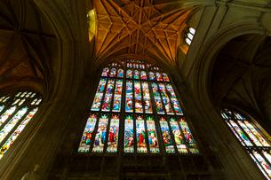 グロスター大聖堂のステンドグラスの写真素材 [FYI02837718]