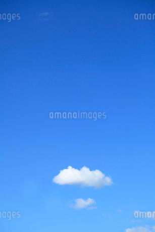 青空と雲の写真素材 [FYI02837774]