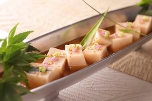 ごま豆腐の写真素材 [FYI02837923]
