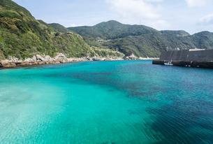 真っ青な上五島の江袋の浜の写真素材 [FYI02838570]