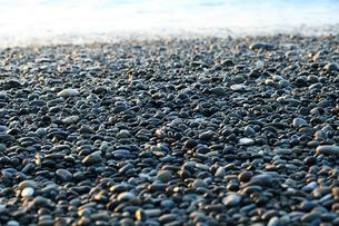 七里御浜海岸 砂利浜の写真素材 [FYI02838596]