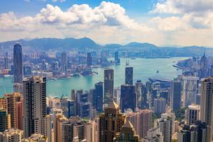 ヴィクトリアピークから望む香港の写真素材 [FYI02838811]