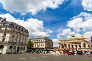 パリ、オペラ広場の写真素材 [FYI02839072]