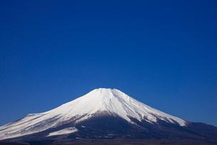 山中湖より富士山の写真素材 [FYI02839341]