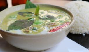 タイ・バンコクのトムヤムガイの写真素材 [FYI02839437]