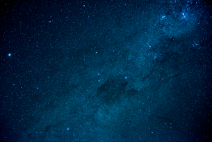 ミラーレイク・ウユニ塩湖の星空の写真素材 [FYI02839464]