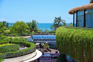 バリ島人気ショッピングモールのビーチウォークの写真素材 [FYI02839497]