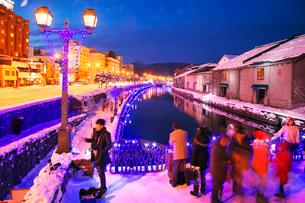 青の運河(小樽ゆき物語)の写真素材 [FYI02839607]