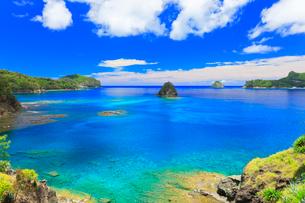 小笠原諸島父島 海岸通りから望む二見湾の写真素材 [FYI02839650]
