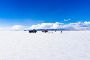乾季のウユニ塩湖の写真素材 [FYI02839909]
