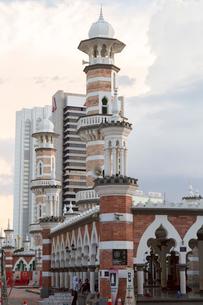マスジッドジャメ(MASJID JAME)の尖塔の写真素材 [FYI02839961]