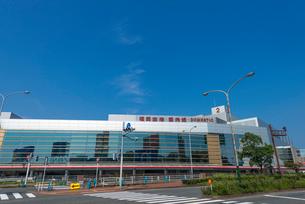 福岡空港(国内線ターミナルビル正面)の写真素材 [FYI02840127]
