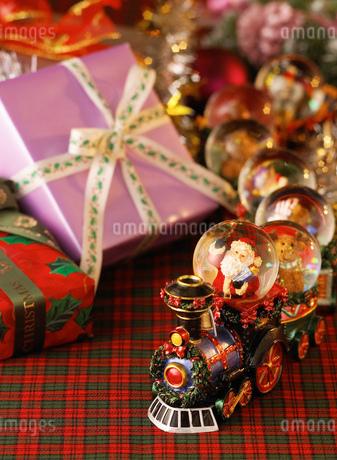 クリスマスのプレゼントの写真素材 [FYI02842002]