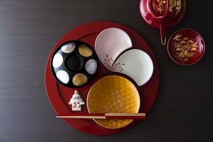 お正月の和食器の写真素材 [FYI02842012]