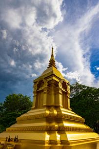 Wat Pha Yai Wachirawong, Nong Khai, Thailandの写真素材 [FYI02842182]