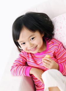 笑顔の女の子の写真素材 [FYI02842867]