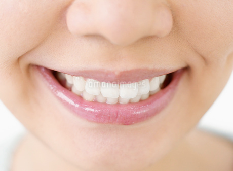 女性の歯の写真素材 [FYI02843359]