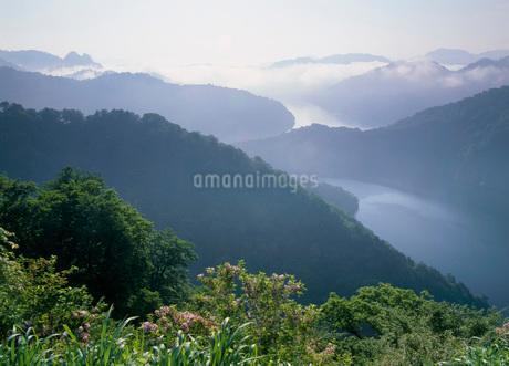 田子倉湖の写真素材 [FYI02845039]